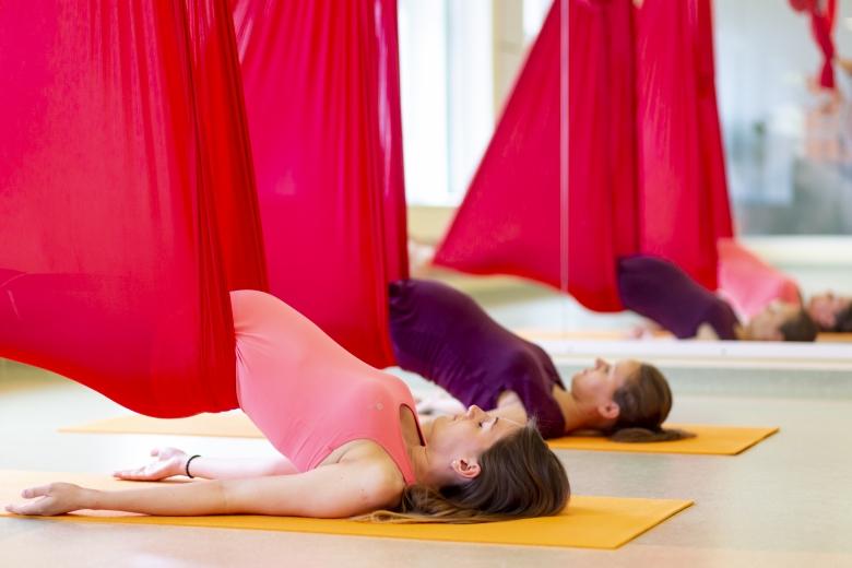 Aerial Kismama jóga